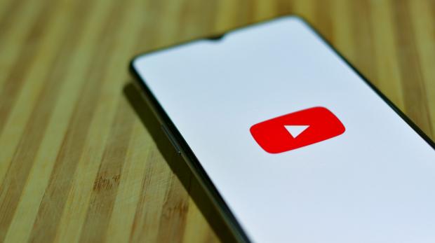 Ein Telefon mit Youtube